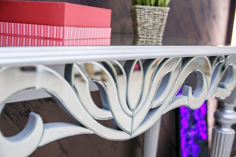 Мебель с зеркальными накладками