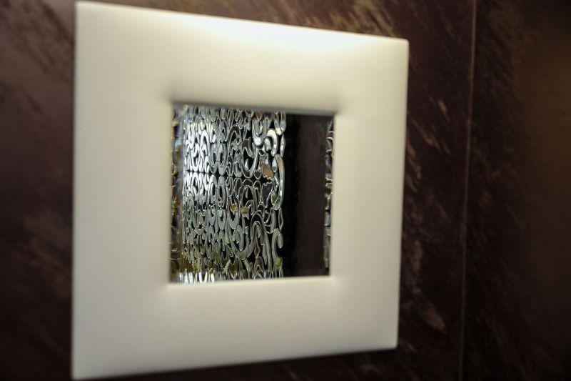 Мягкая панель с зеркальной вставкой